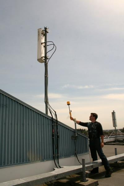measuring-radiation-from-behind-cellular-antenna