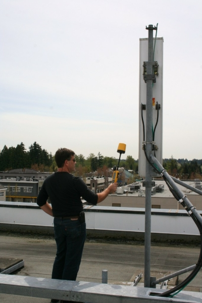 measuring-radiation-from-cellular-antenna